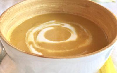 Zoete aardappel soep met kokos