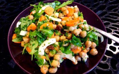 Salade met kikkererwten en koriander