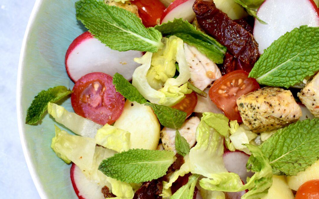 Aardappel salade met kip en munt