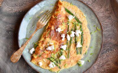 Omelet met aspergetips en geitenkaas